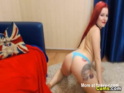 Masturbating Redhead Camgirl