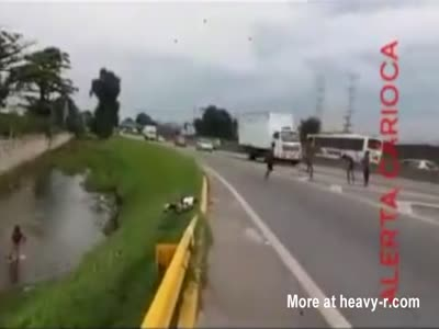 Kids Playing On Busy Highway.. What Could Possible Go Wrong?