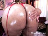 Sexy big ass babe.