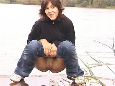 Pissing Girl Outdoors