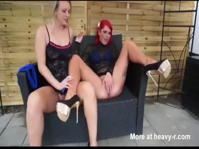 Hot German Pissing Girls