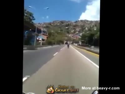Idiot On Motorcycle Kills Himself