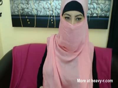 Naughty Arab Girls Takes Nikab Off