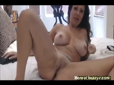 Nasty MILF Loves Toying Her Pussy