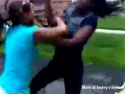 Black girls violent fight