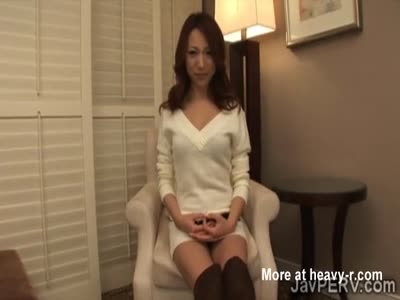 Horny Japanese MILF kneels to blow a strangers big cock