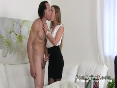 Mature guy bangs sexy female agent