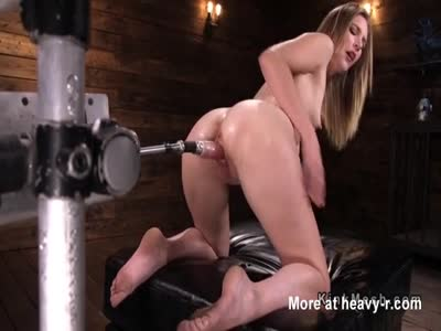 Brunette Drilled On Fucking Machine